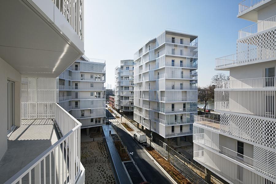 Las viviendas verticales siguen ganando aceptación en la CDMX, coincide Luis Domingo Madariaga Lomelín.